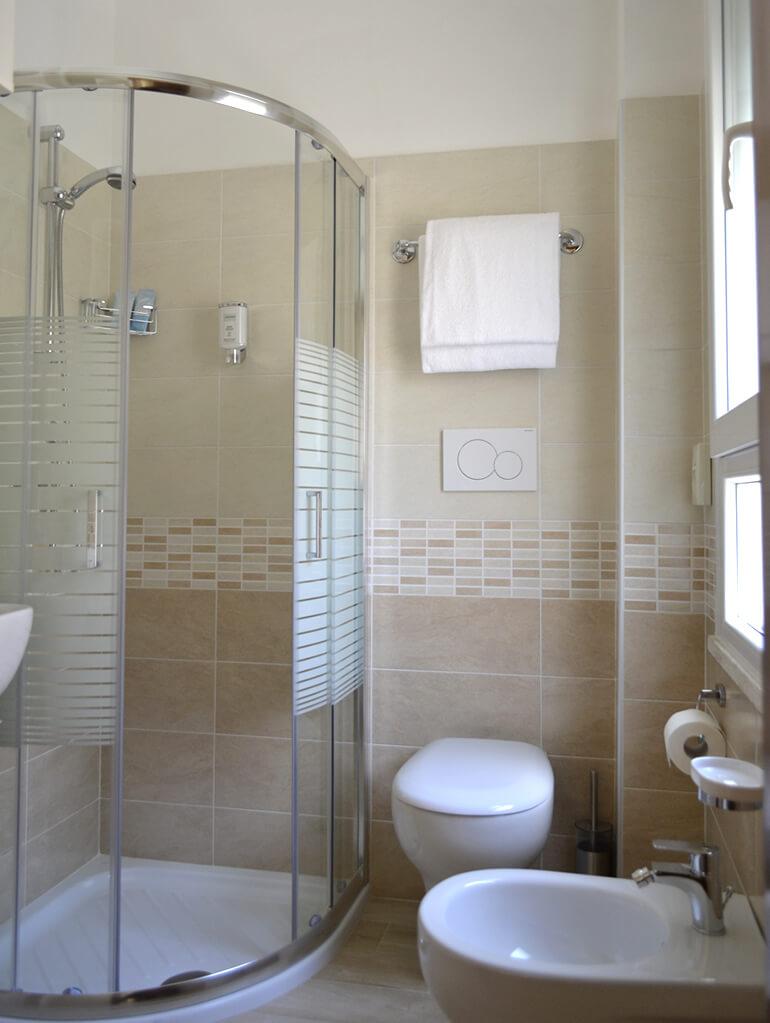 Miroir Salle De Bain Wifi ~ h tel lido di savio avec air conditionn e h tel 3 toiles avec tv